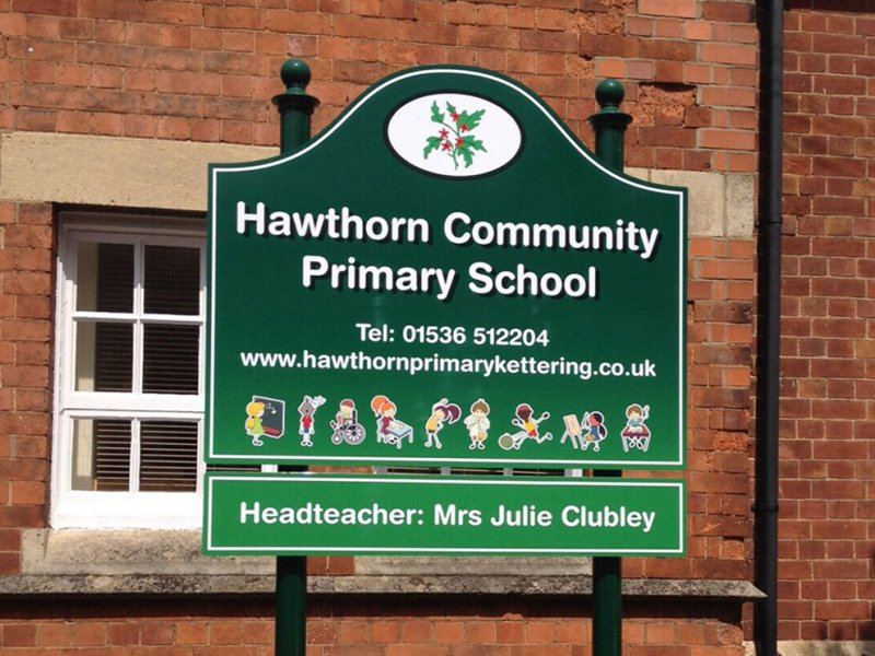 Indoor and outdoor school signs supplied nationwide.